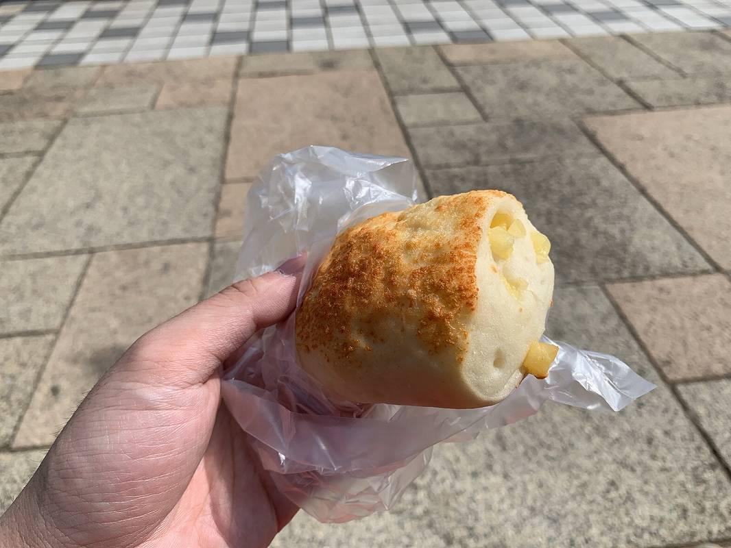 ポンパドールのお米とチーズのもちもちパン