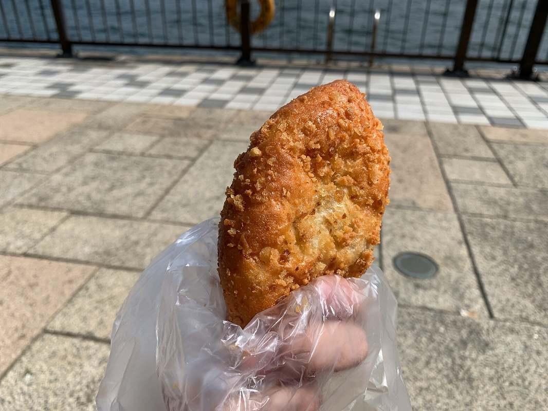 ポンパドールの横須賀海軍カレーパン
