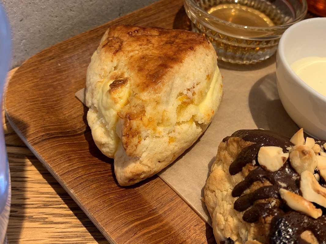 feb's coffee&sconeのゆず&クリームチーズ