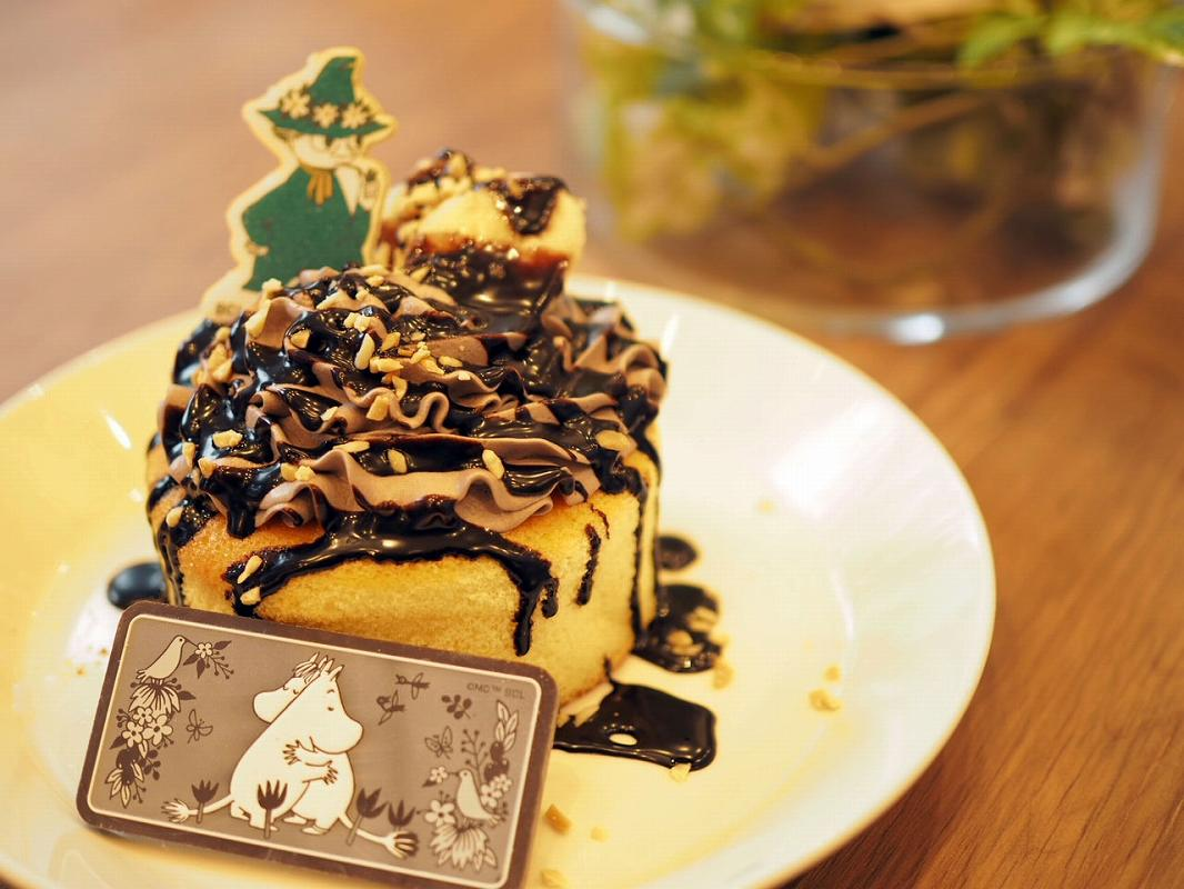ムーミンカフェのふんわりパンケーキ チョコ&バナナ