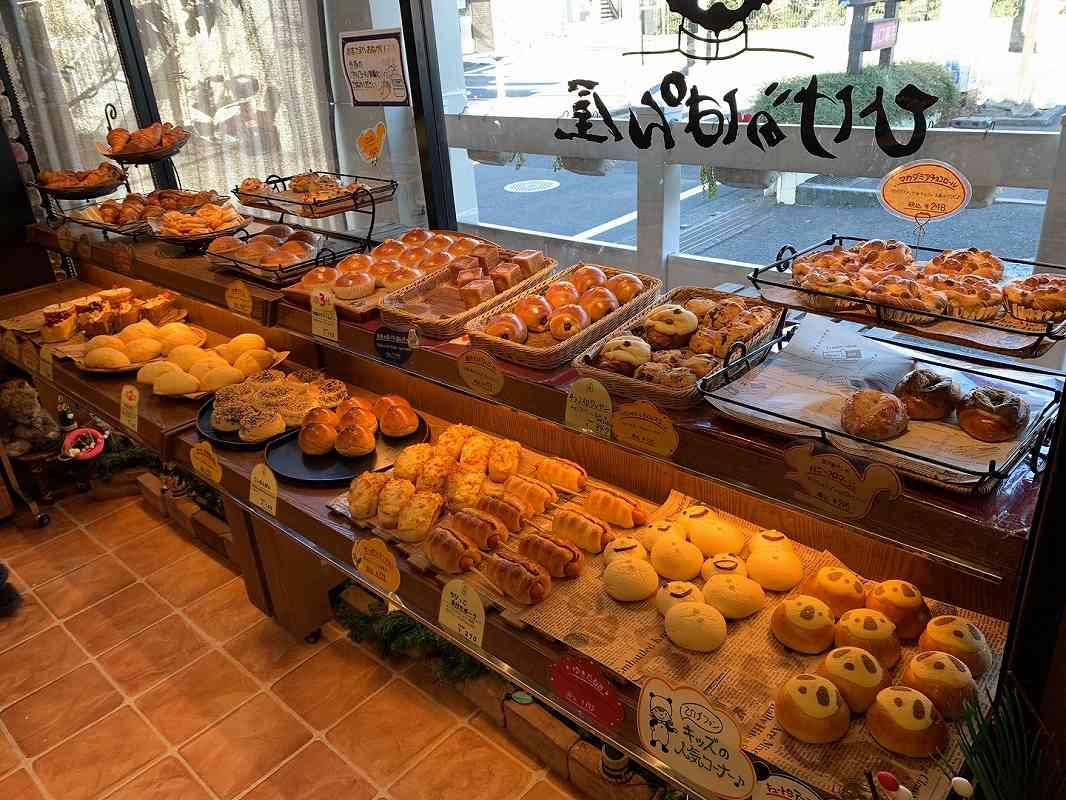 ひげのパン屋の店内
