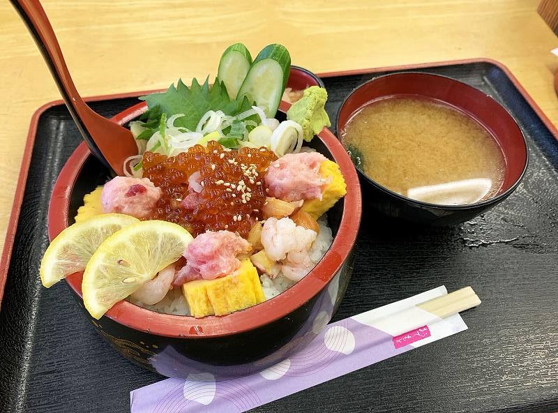 野口鮮魚店の本日の鮮魚 大漁丼